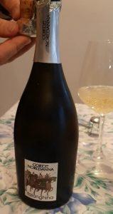 bottiglia di Falanghina spumante